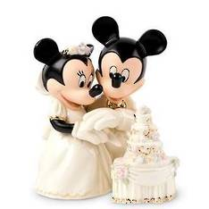 Mickey & Minnie Dream Weddding Cake